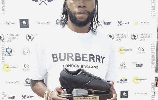 Dieumerci Mbokani remporte le Soulier d'Ébène 2020