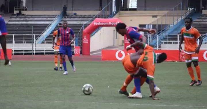 Linafoot D1 : sur penalty, Glody Kikwama offre la victoire à la Renaissance du Congo