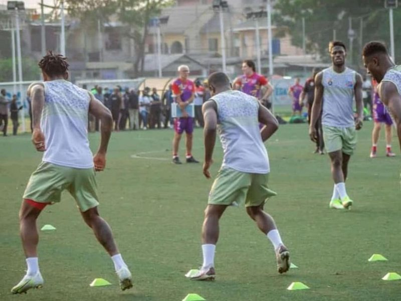 Léopards : Vital Nsimba et Chris Mavinga restés à Kinshasa!